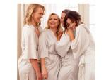 Luksuøs morgenkåbe i fin satin  - Nicole Falciani x Bubbleroom