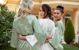 Luksuøs morgenkåbe Aylin fra Bubbleroom finns i grönt, rosa och vitt