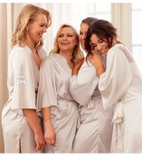 Nicole Falciani Bridal og bridesmaid robes