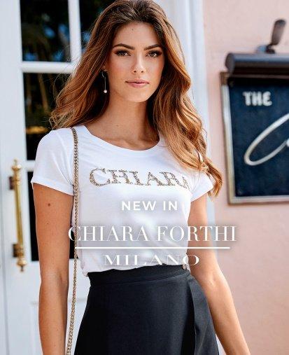 Kjoler, toppe og jakker fra Chiara Forthi