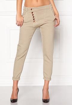 77thFLEA Deanne girlfriend jeans Putty Bubbleroom.dk