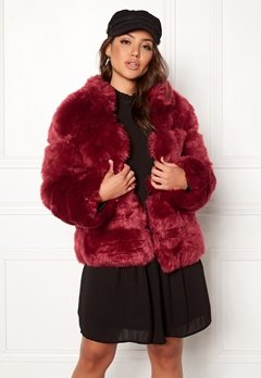 AMO Couture Phantom Faux Fur Short Coat Deep Red Bubbleroom.dk