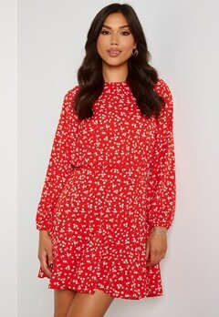 AX Paris Ditsy Print Pleat Dress Red Bubbleroom.dk