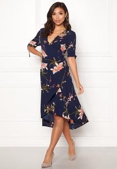 AX Paris Floral Tie Wrap Dress Navy Bubbleroom.dk