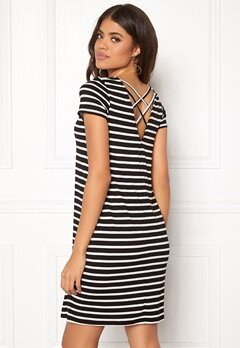 ONLY Bera Back Lace S/S Dress Black Stripes Bubbleroom.dk