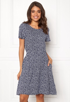 Boomerang Amira Printed Dress Midnight Blue Bubbleroom.dk