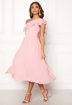 7cf876fb BUBBLEROOM Carolina Gynning Frill one shoulder dress Light pink  Bubbleroom.dk