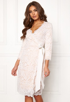BUBBLEROOM  Carolina Gynning lace wrap dress White Bubbleroom.dk