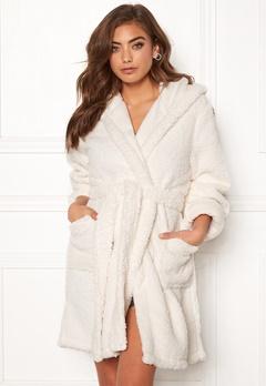 BUBBLEROOM Josefine fluffy robe White Bubbleroom.dk