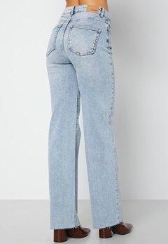 BUBBLEROOM June raw edge jeans Light denim bubbleroom.dk