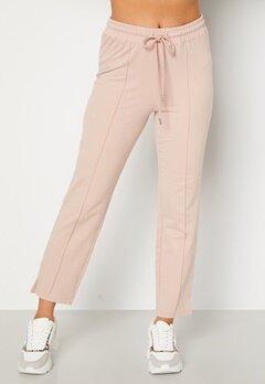 BUBBLEROOM Kehlani soft suit trousers  Light nougat Bubbleroom.dk