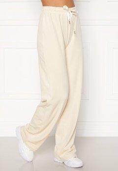 BUBBLEROOM Milia super soft velvet trousers Cream Bubbleroom.dk
