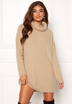Moa Mattsson X Bubbleroom Knitted sweater dress Beige Bubbleroom.dk
