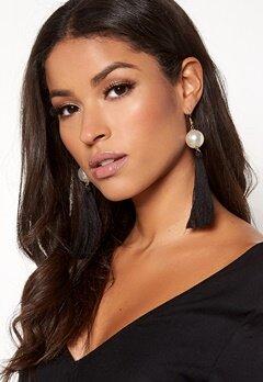 BUBBLEROOM Tassle pearl earrings Black Bubbleroom.dk
