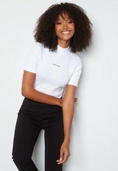 Calvin Klein Jeans Micro Branding Rib Baby Tee YAF Bright White bubbleroom.dk