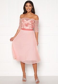 Chi Chi London Selda Bardot Midi Dress Pink Bubbleroom.dk