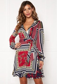 Chiara Forthi Claudina wrap shirt dress Dark blue / Red / Patterned Bubbleroom.dk