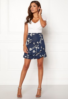 Chiara Forthi Lily flounce skirt Navy / Floral Bubbleroom.dk