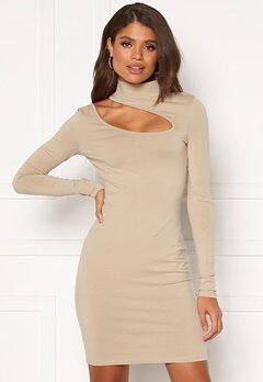 Chiara Forthi Mariam cut out dress Light nougat Bubbleroom.dk