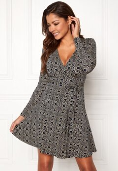 Chiara Forthi Sonnet Mini Wrap Dress Navy / Beige / Patterned Bubbleroom.dk