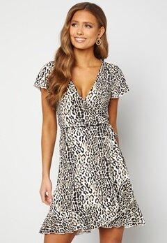 Chiara Forthi Sonnet wrap mini flounce dress Leopard Bubbleroom.dk