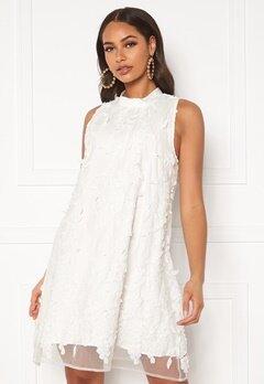 DRY LAKE Swag Dress White 3D Flowers Bubbleroom.dk
