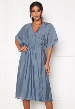 DRY LAKE Vanessa Dress 461 Blue Dove Bubbleroom.dk