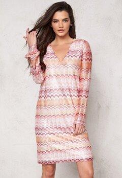 DRY LAKE Ziczac Short Dress Pink Sunset Bubbleroom.dk