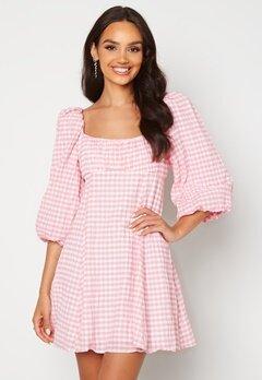 FOREVER NEW Scoop Neck Mini Dress Pink/White Gingham Bubbleroom.dk