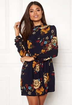 AX Paris Frill Detail Floral Dress Navy Bubbleroom.dk