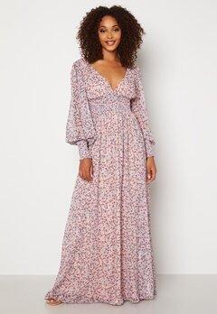 Goddiva Ditsy Long Sleeve Shirred Maxi Dress Blush Bubbleroom.dk