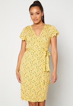 Happy Holly Amanda wrap dress Light yellow / Floral Bubbleroom.dk