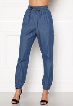 Happy Holly Mea jogger jeans Medium denim Bubbleroom.dk