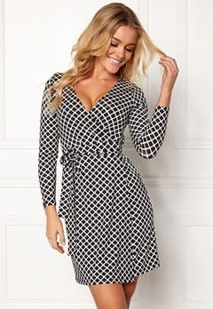 Happy Holly Millie wrap dress Black / Offwhite Bubbleroom.dk