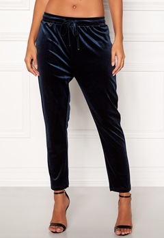 Happy Holly Pearl velour pants Dark blue Bubbleroom.dk