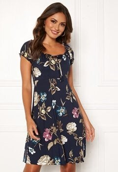 Happy Holly Tessan dress Dark blue / Patterned Bubbleroom.dk