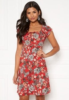 Happy Holly Tessan dress Red / Patterned Bubbleroom.dk