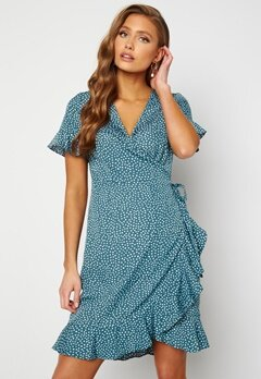 VERO MODA Henna 2/4 Wrap Dress Bluestone/Dots Bubbleroom.dk