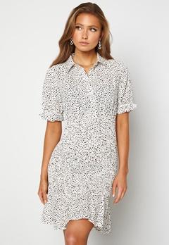 Jacqueline de Yong Dicthe Short Smock Dress White Black Dots Bubbleroom.dk