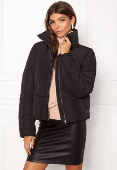 Jacqueline de Yong Erica Short Padded Jacket Black Bubbleroom.dk