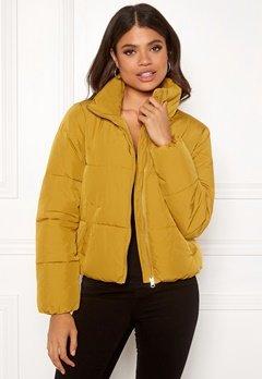 Jacqueline de Yong Erica Short Padded Jacket Harvest Gold Bubbleroom.dk