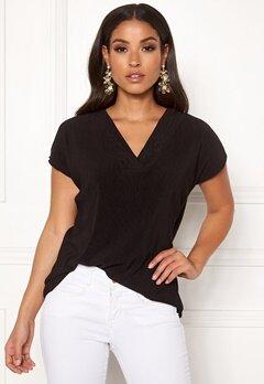 Jacqueline de Yong Esmarilla S/S V-neck Top Black Bubbleroom.dk