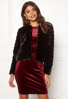 Jacqueline de Yong Evan Short Fake Fur Jacke Black Bubbleroom.dk