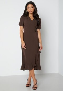 John Zack Short Sleeve Wrap Dress Chocolate bubbleroom.dk
