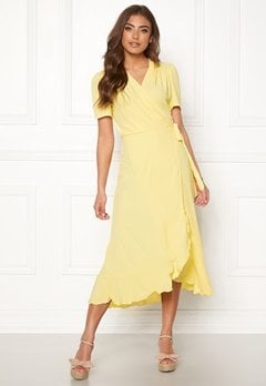 John Zack Short Sleeve Wrap Dress Lemon Bubbleroom.dk
