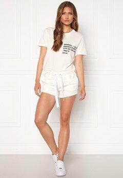 KENDALL + KYLIE K&K Active Turn Me On Shorts White Bubbleroom.dk