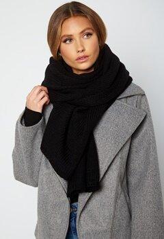 Lojsan Wallin x BUBBLEROOM Chunky knitted scarf Black bubbleroom.dk