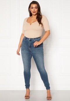 Vero Moda Curve Lora HW MB Wash Jeans Medium Blue Denim Bubbleroom.dk