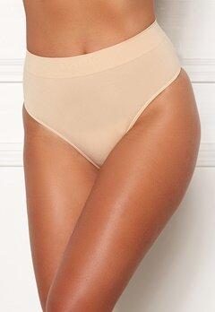 MAGIC Bodyfashion Comfort Thong Skin Bubbleroom.dk