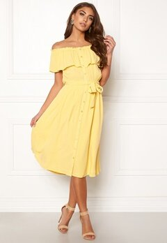 65e26953 Make Way Jaqline offshoulder dress Light yellow Bubbleroom.dk